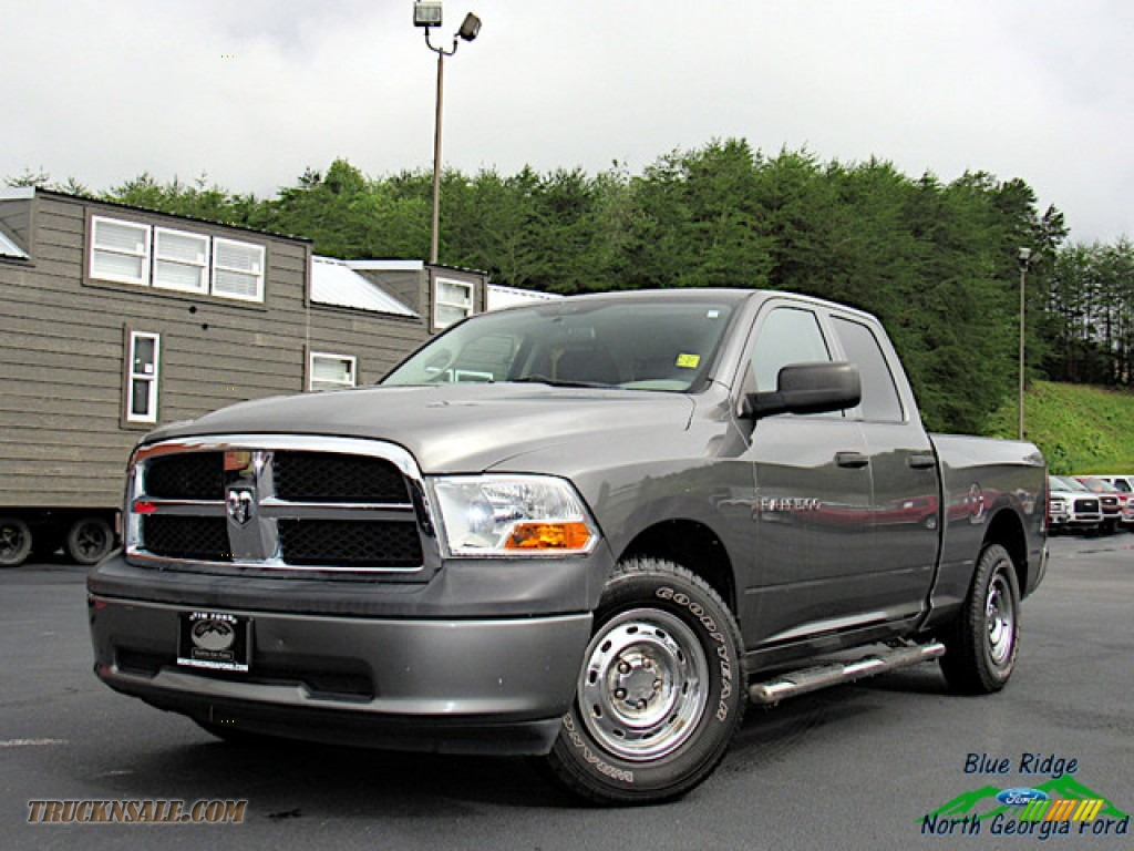 Mineral Gray Metallic / Dark Slate Gray/Medium Graystone Dodge Ram 1500 ST Quad Cab