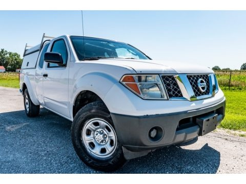 Avalanche White 2007 Nissan Frontier XE King Cab