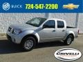 Nissan Frontier SV Crew Cab 4x4 Brilliant Silver photo #1