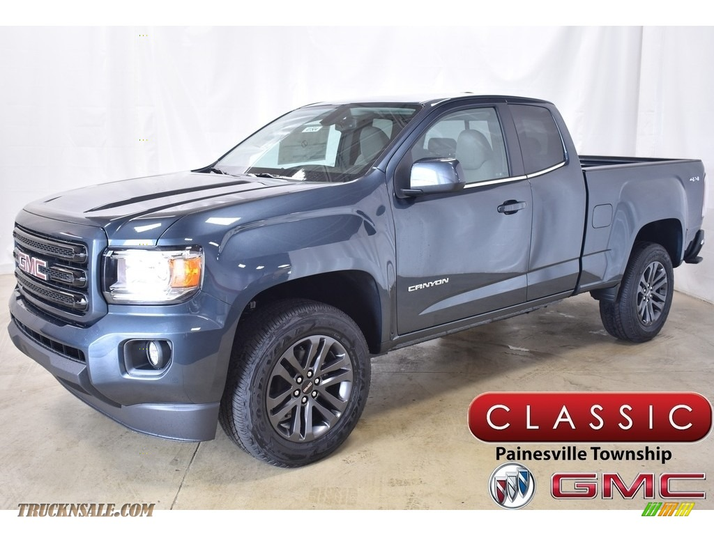 Dark Sky Metallic / Jet Black/­Dark Ash GMC Canyon SLE Extended Cab 4WD