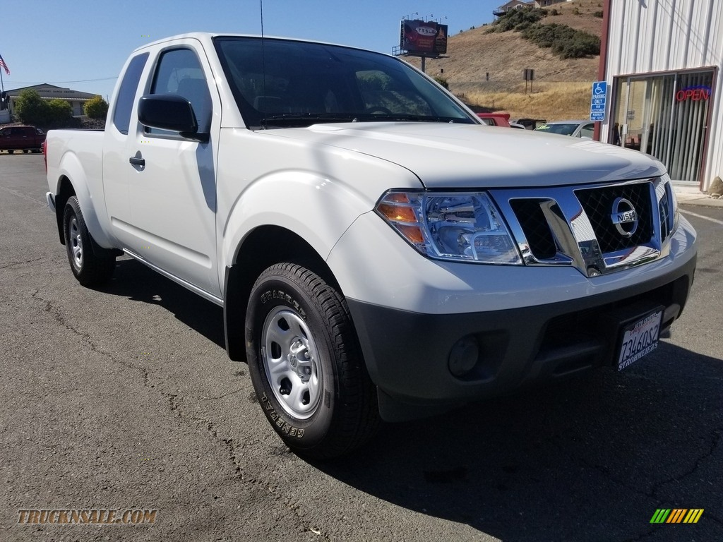 2019 Frontier S King Cab - Glacier White / Graphite/Steel photo #1
