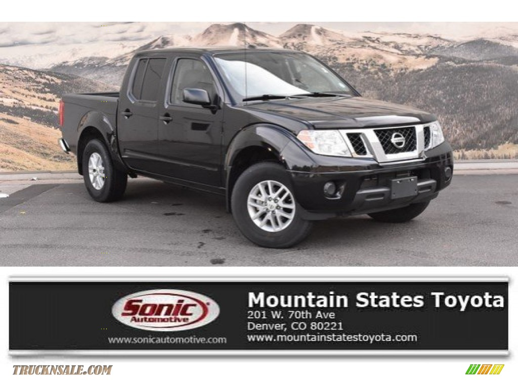 2017 Frontier SV Crew Cab 4x4 - Magnetic Black / Steel photo #1
