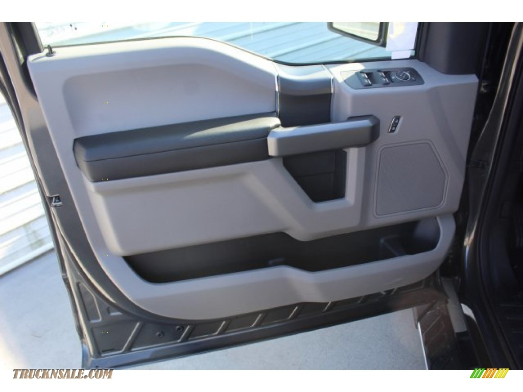 2019 F150 XLT SuperCrew 4x4 - Magnetic / Earth Gray photo #9