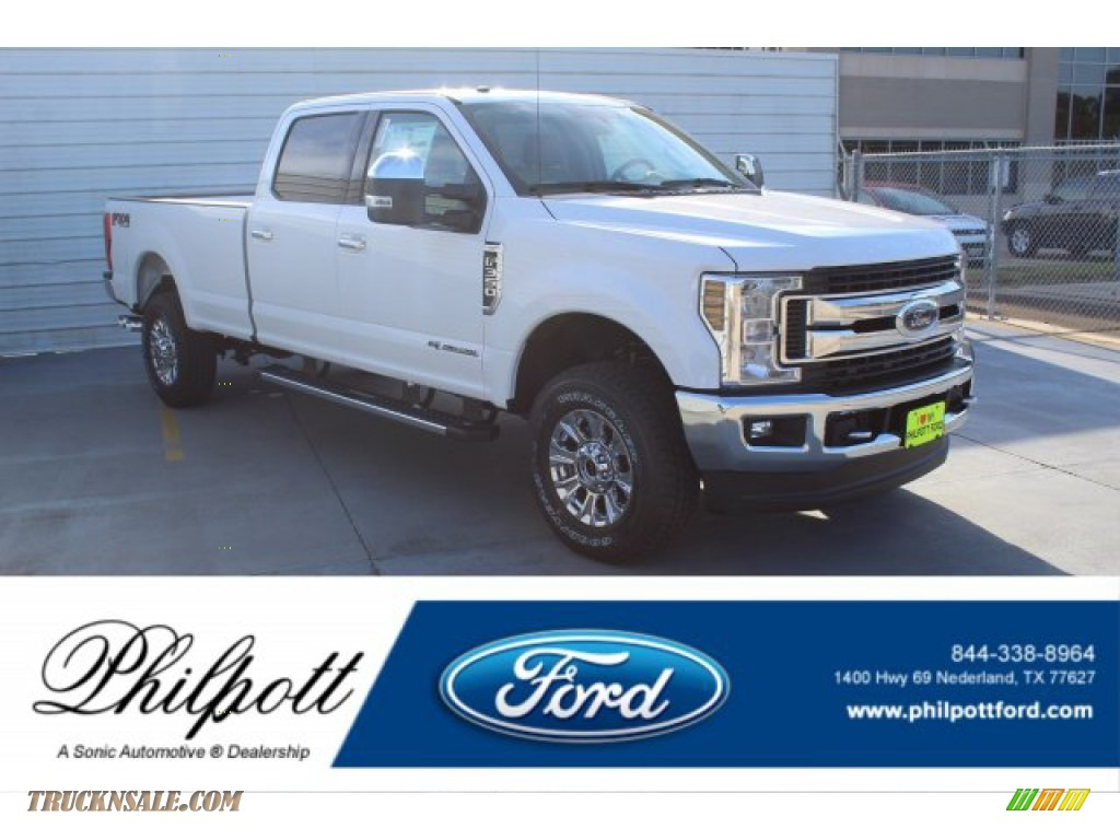 2019 F350 Super Duty XLT Crew Cab 4x4 - Oxford White / Camel photo #1