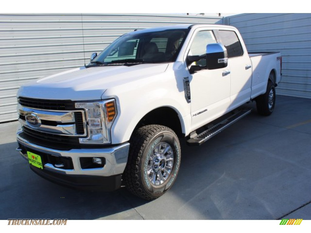 2019 F350 Super Duty XLT Crew Cab 4x4 - Oxford White / Camel photo #4