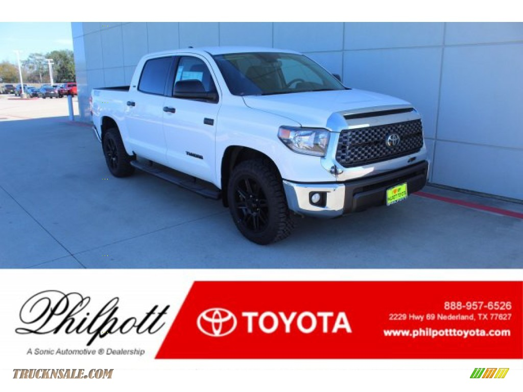 2020 Tundra TSS Off Road CrewMax - Super White / Black photo #1