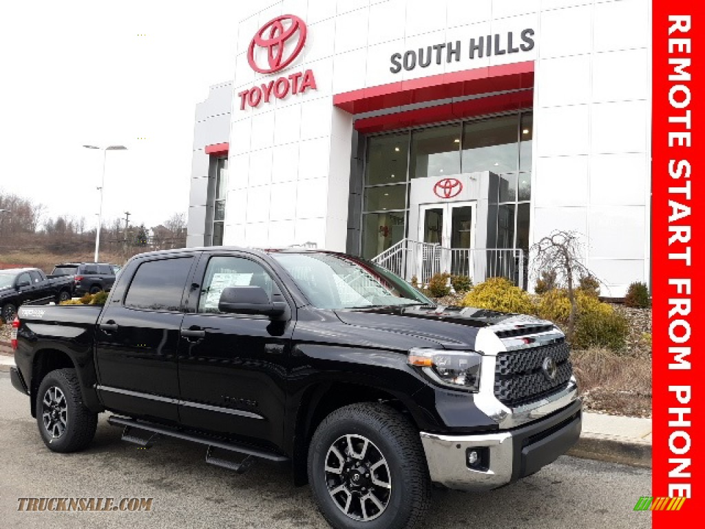 Midnight Black Metallic / Graphite Toyota Tundra TRD Off Road CrewMax 4x4