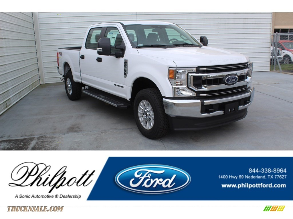 2020 F250 Super Duty STX Crew Cab 4x4 - Oxford White / Medium Earth Gray photo #1