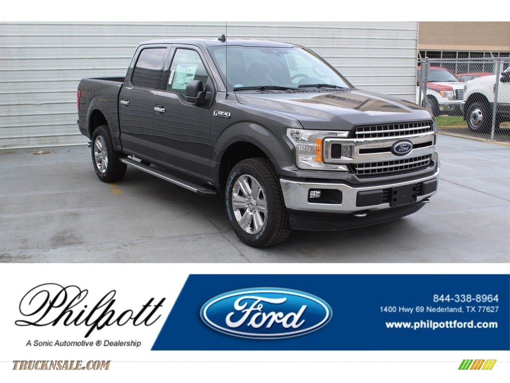Magnetic / Medium Earth Gray Ford F150 XLT SuperCrew 4x4