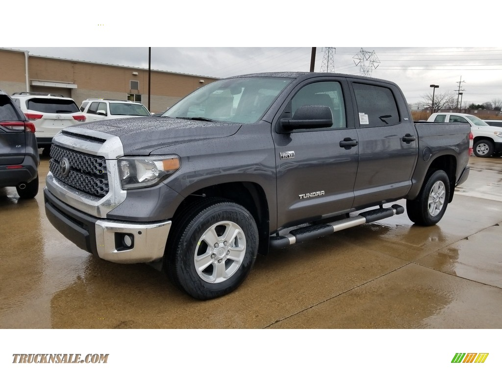 2020 Tundra SR5 CrewMax 4x4 - Magnetic Gray Metallic / Graphite photo #1