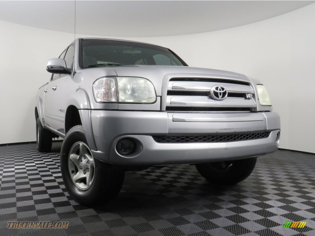 2004 Tundra SR5 Double Cab 4x4 - Silver Sky Metallic / Light Charcoal photo #1