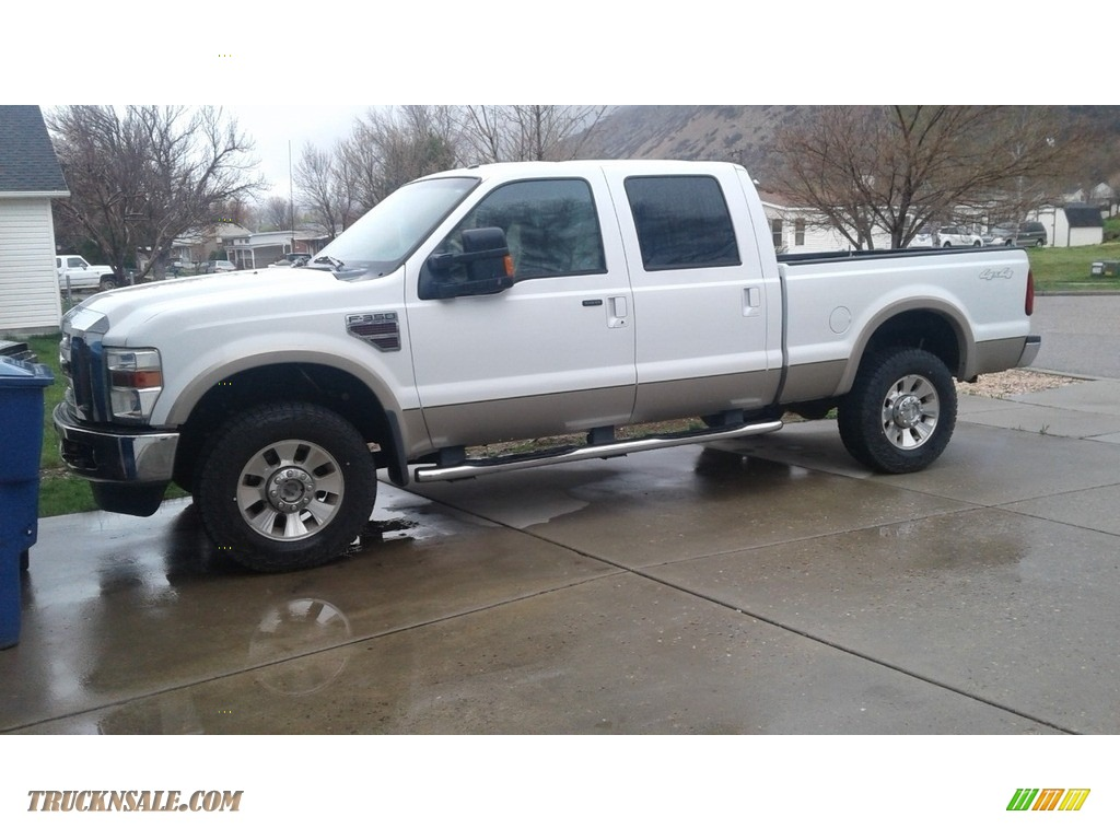 2010 F350 Super Duty Lariat Crew Cab 4x4 - Oxford White / Camel photo #1
