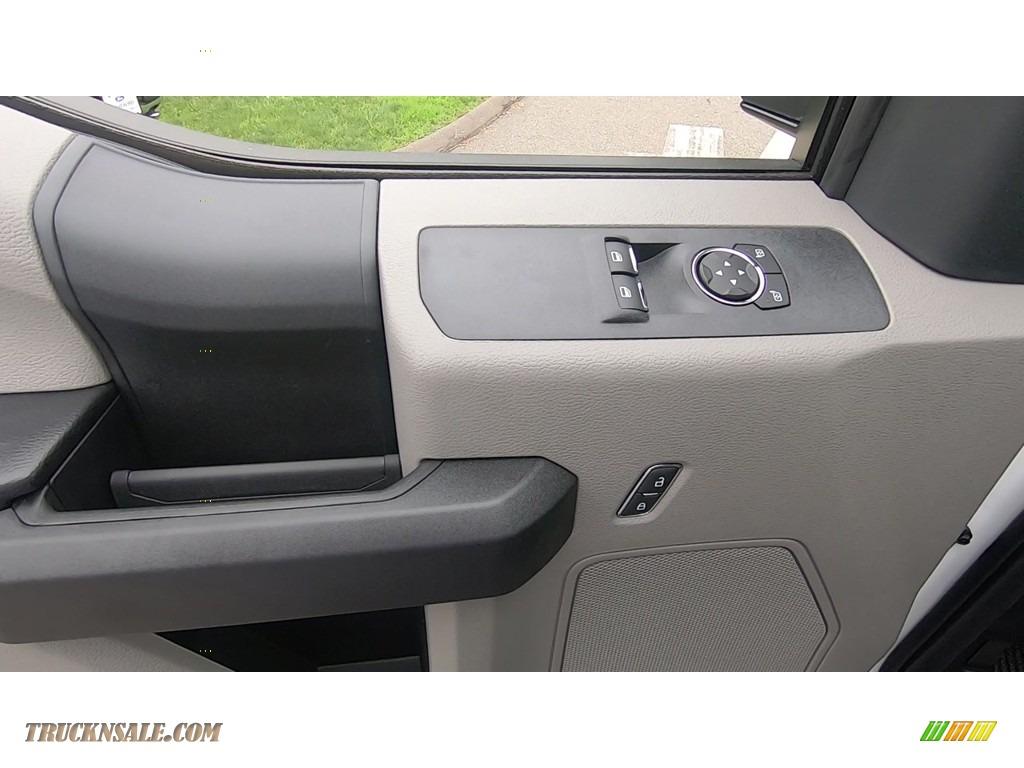 2020 F250 Super Duty XL Regular Cab 4x4 - Oxford White / Medium Earth Gray photo #12