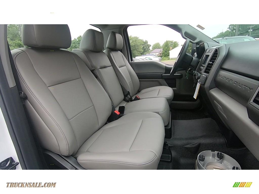 2020 F250 Super Duty XL Regular Cab 4x4 - Oxford White / Medium Earth Gray photo #20
