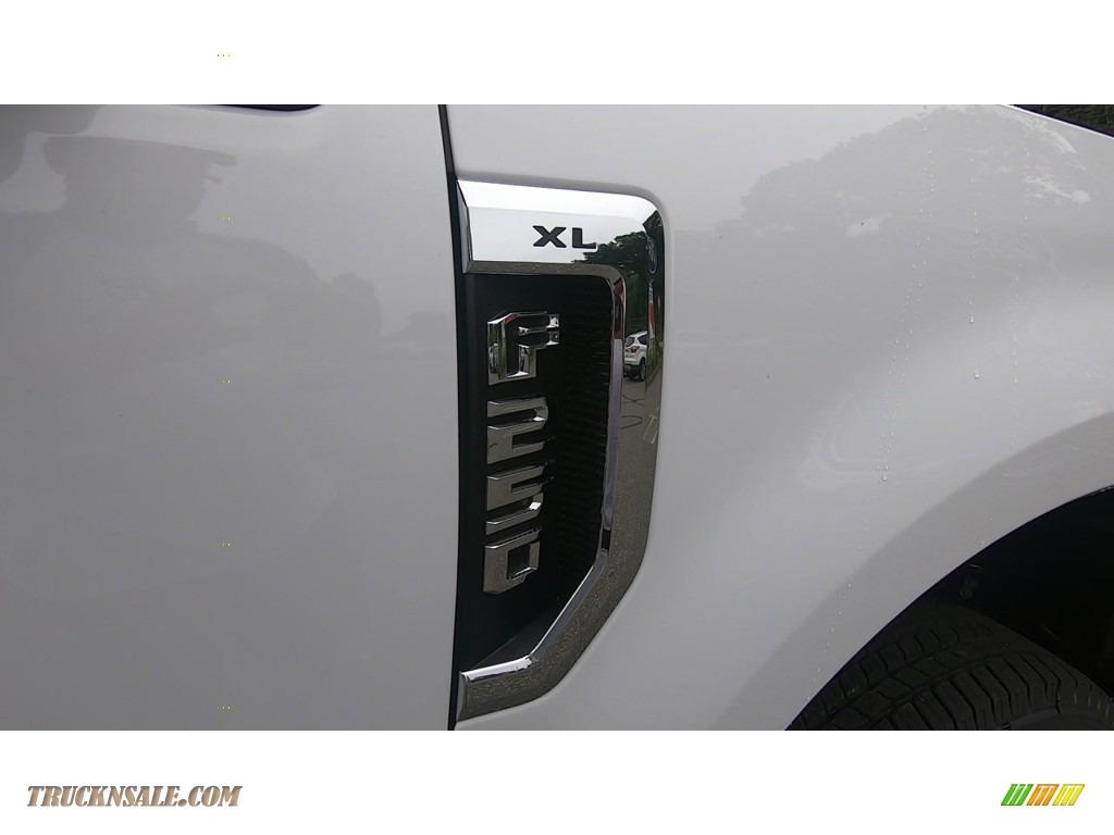 2020 F250 Super Duty XL Regular Cab 4x4 - Oxford White / Medium Earth Gray photo #22