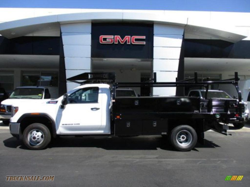 2020 Sierra 3500HD Regular Cab 4WD Chassis Utility Truck - Summit White / Jet Black photo #1