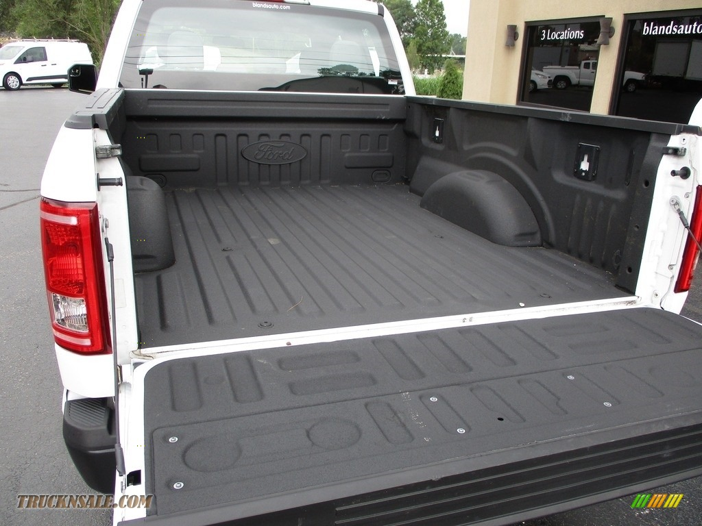 2016 F150 XL SuperCab 4x4 - Oxford White / Medium Earth Gray photo #34
