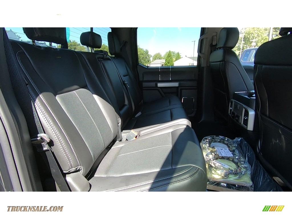 2020 F350 Super Duty Lariat Crew Cab 4x4 - Agate Black / Black photo #22