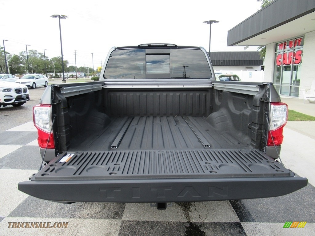 2020 Titan SV Crew Cab 4x4 - Gun Metallic / Black photo #5
