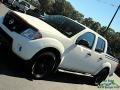 Nissan Frontier SV Crew Cab 4x4 Glacier White photo #26