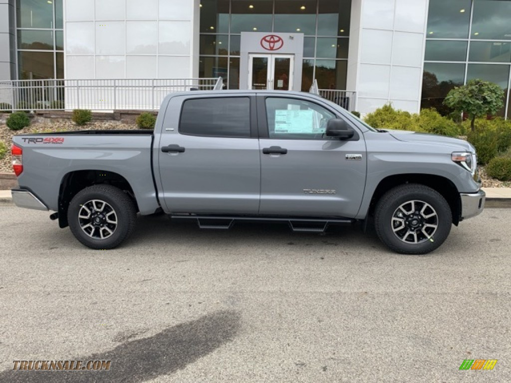 2021 Tundra TRD Off Road CrewMax 4x4 - Cement / Graphite photo #30