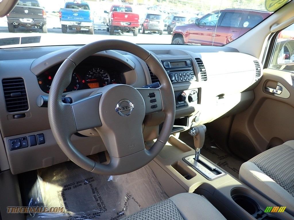 2006 Frontier SE King Cab 4x4 - Storm Gray / Desert photo #12