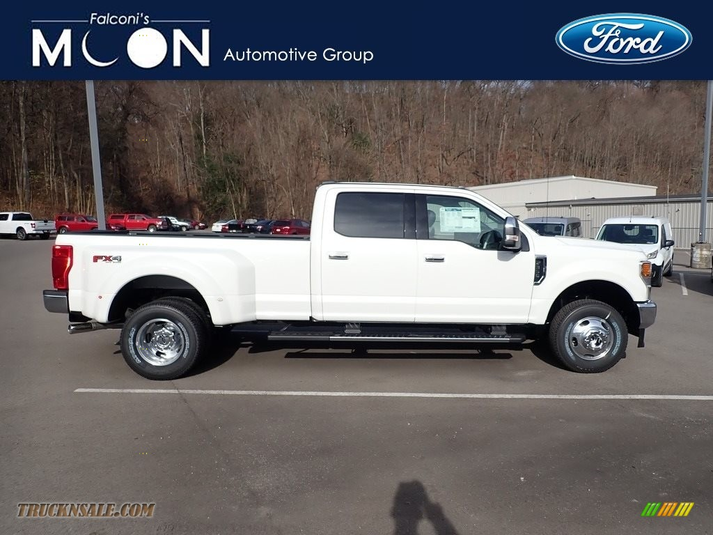 Oxford White / Black Ford F350 Super Duty Lariat Crew Cab 4x4