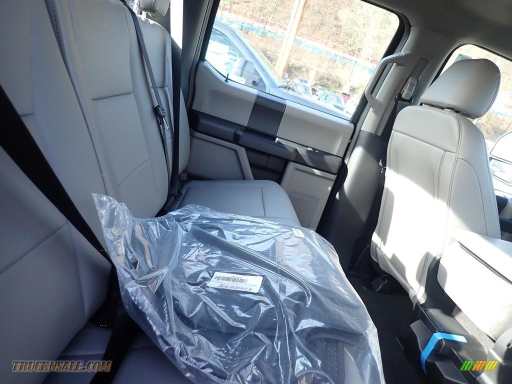 2020 F250 Super Duty XL Crew Cab 4x4 - Agate Black / Medium Earth Gray photo #8