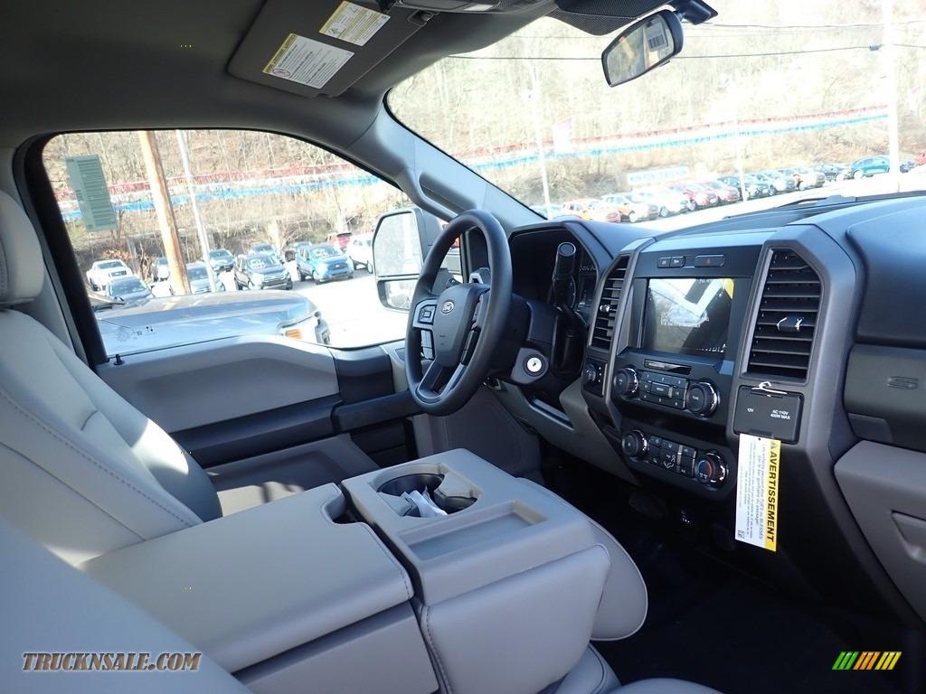 2020 F250 Super Duty XL Crew Cab 4x4 - Agate Black / Medium Earth Gray photo #11