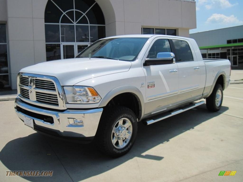 2010 dodge ram 2500 laramie mega cab 4x4 in bright white 145711 truck n 39 sale. Black Bedroom Furniture Sets. Home Design Ideas