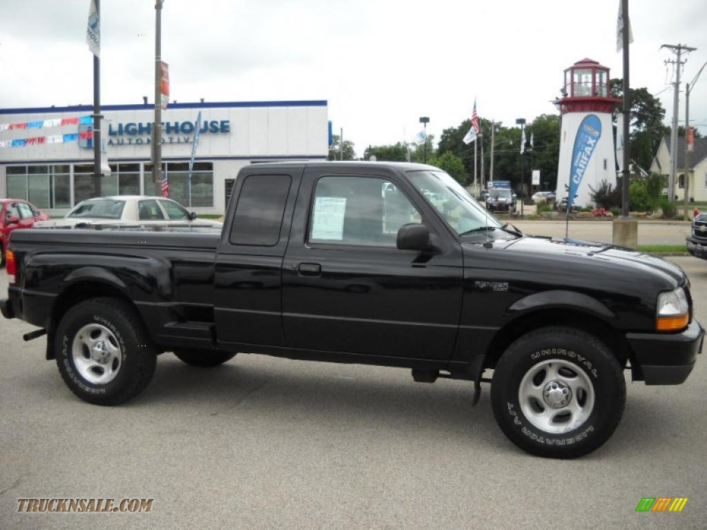 Black Clearcoat / Medium Graphite Ford Ranger XLT Extended Cab 4x4