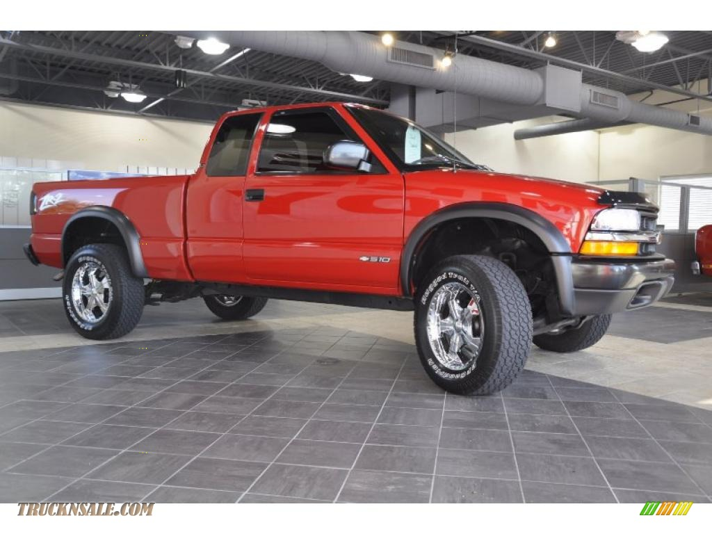 2001 Chevrolet S10 Zr2 Extended Cab 4x4 In Victory Red