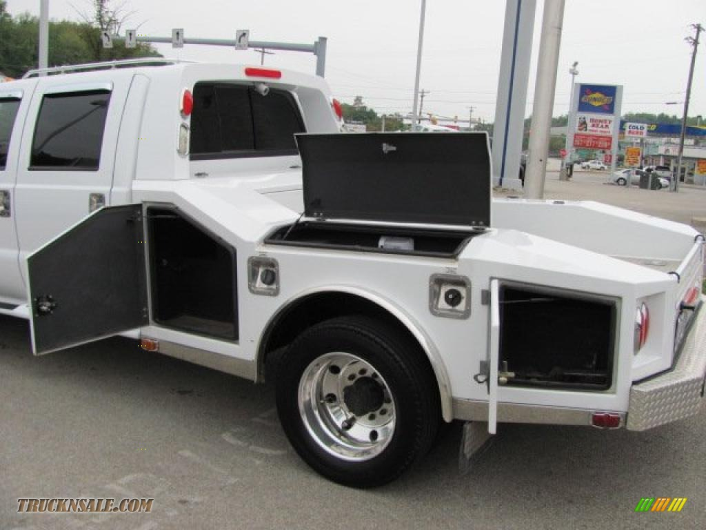 ford  super duty lariat crew cab  chassis  wheel  oxford white photo