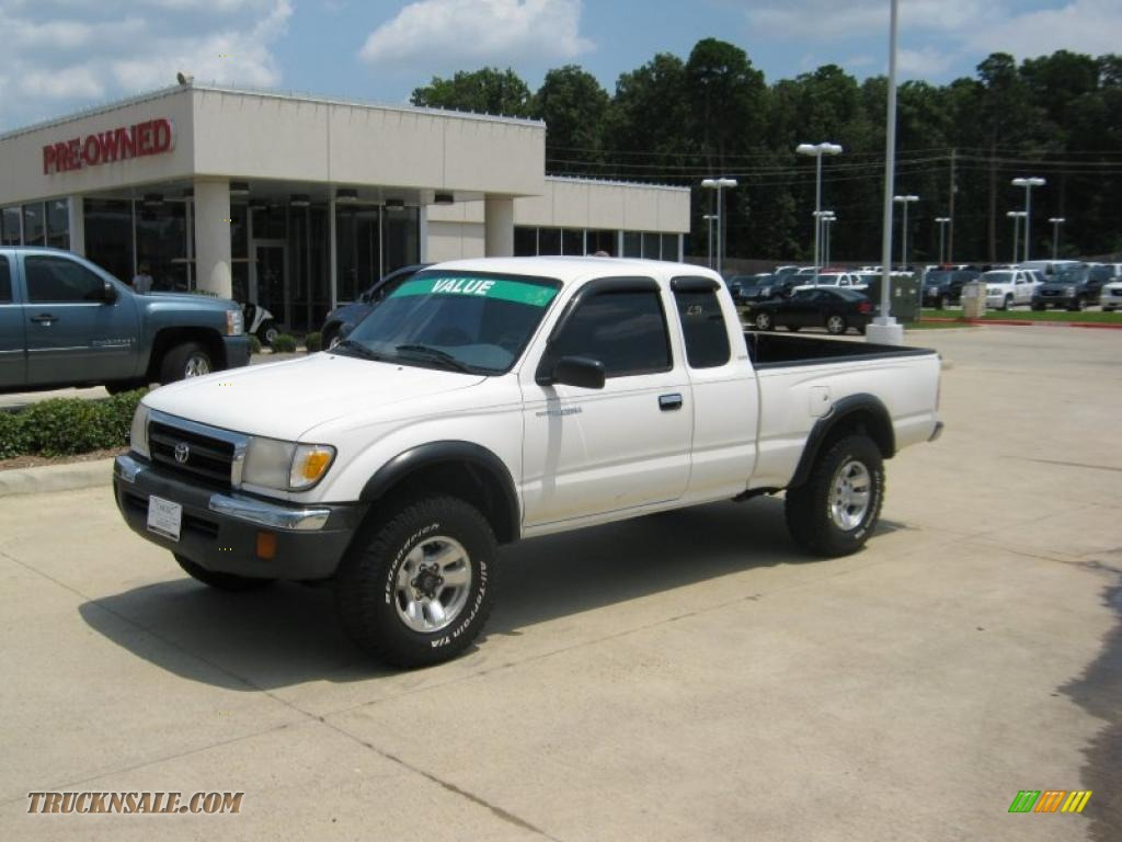 1999 Tacoma SR5 Extended Cab 4x4 - Natural White / Gray photo #1
