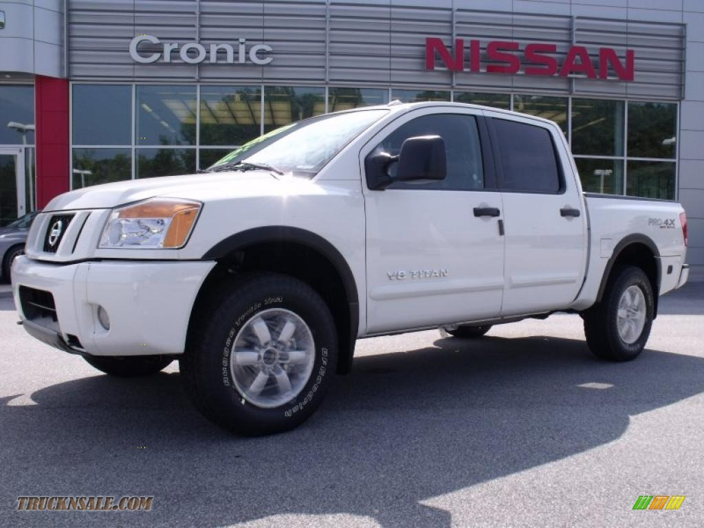 2010 nissan titan pro 4x crew cab 4x4 in blizzard white 325274 truck n 39 sale. Black Bedroom Furniture Sets. Home Design Ideas