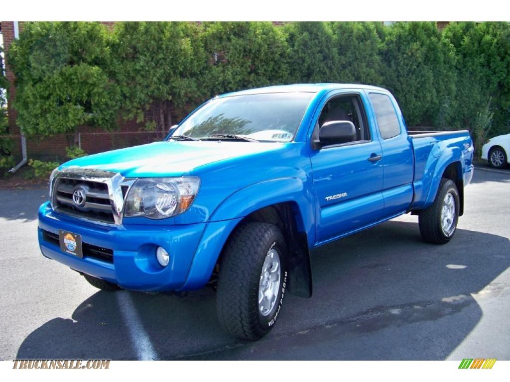 Toyota Tundra Speedway Blue