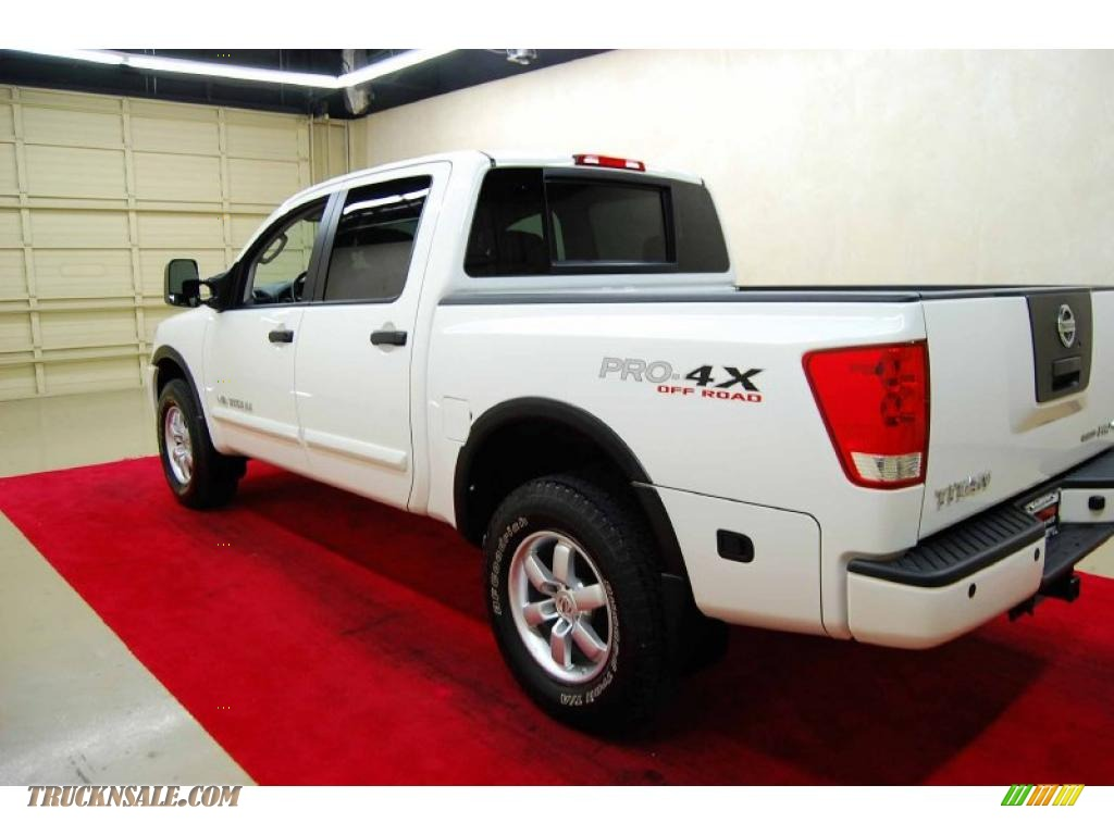 2010 nissan titan pro 4x crew cab 4x4 in blizzard white photo 4 315431 truck n 39 sale. Black Bedroom Furniture Sets. Home Design Ideas