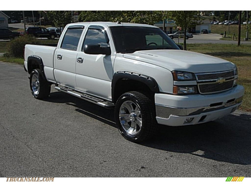 2005 chevrolet silverado 2500hd ls crew cab 4x4 in summit white 900788 truck n 39 sale. Black Bedroom Furniture Sets. Home Design Ideas