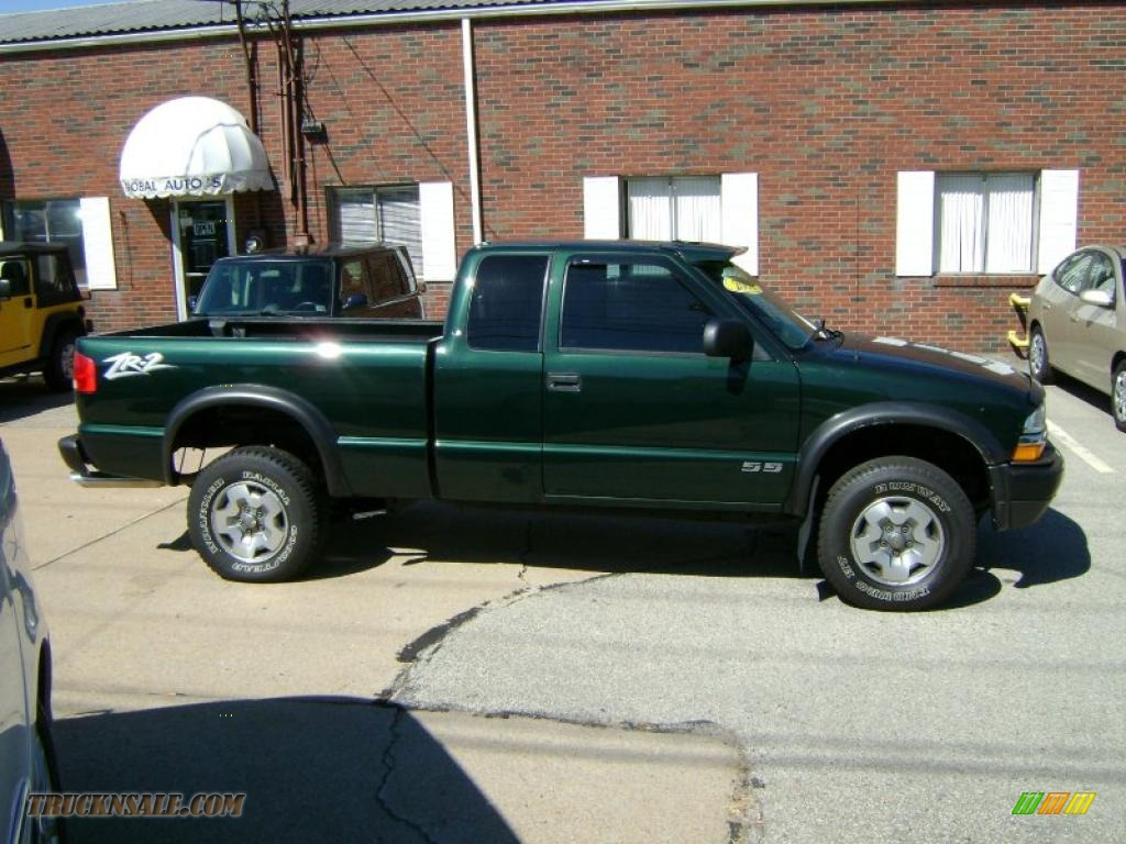 2002 Chevrolet S10 Zr2 Extended Cab 4x4 In Forest Green