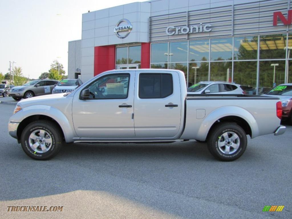 2011 nissan frontier sv v6 king cab in radiant silver metallic photo 2 400071 truck n 39 sale. Black Bedroom Furniture Sets. Home Design Ideas