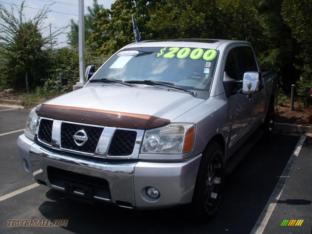 2004 nissan titan se crew cab in radiant silver 500833 truck n 39 sale. Black Bedroom Furniture Sets. Home Design Ideas