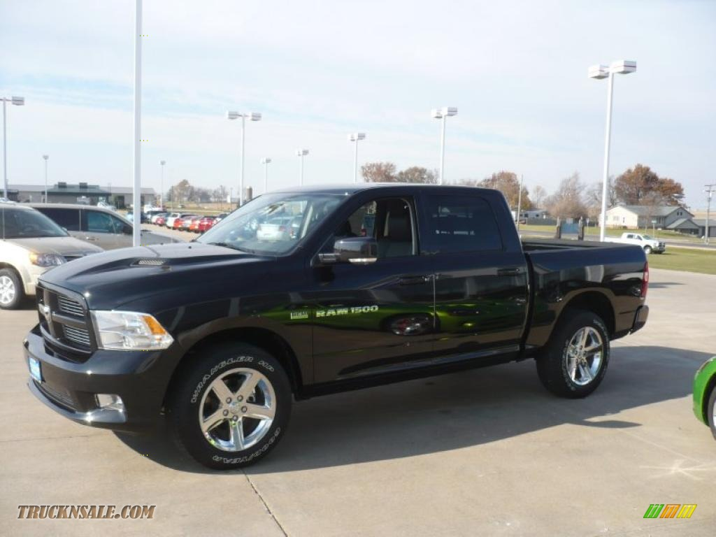 2011 dodge ram 1500 sport crew cab 4x4 in brilliant black crystal pearl photo 4 537349. Black Bedroom Furniture Sets. Home Design Ideas