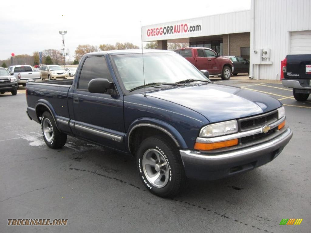 Indigo blue metallic beige chevrolet s10 ls regular cab