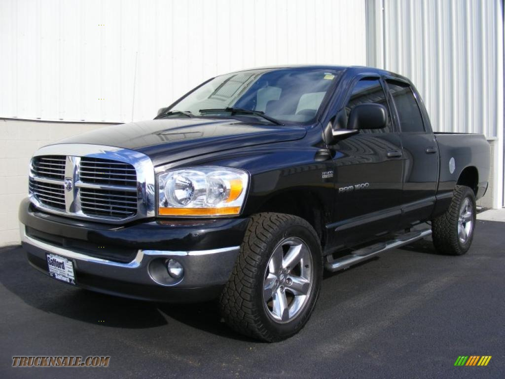 2006 dodge ram 1500 slt quad cab 4x4 in brilliant black crystal pearl. Black Bedroom Furniture Sets. Home Design Ideas
