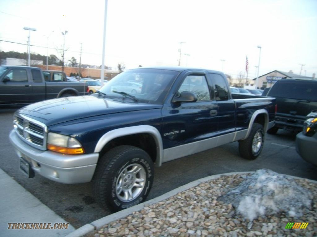 2002 dodge dakota sxt club cab 4x4 in patriot blue pearl. Black Bedroom Furniture Sets. Home Design Ideas