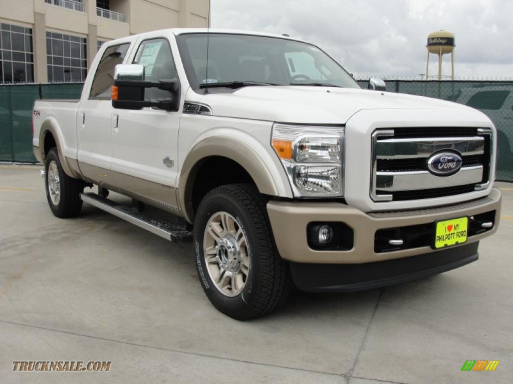 2011 Ford F250 Super Duty King Ranch Crew Cab 4x4 in White Platinum