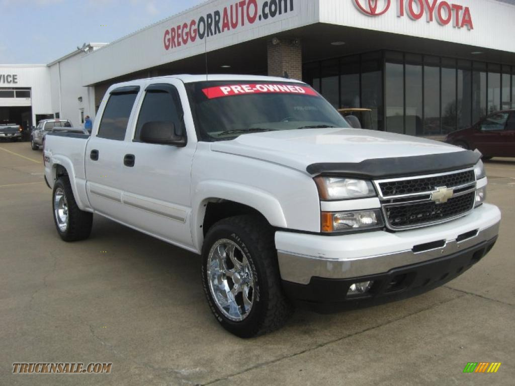 2006 chevrolet silverado 1500 z71 crew cab 4x4 in summit white 166510 truck n 39 sale. Black Bedroom Furniture Sets. Home Design Ideas