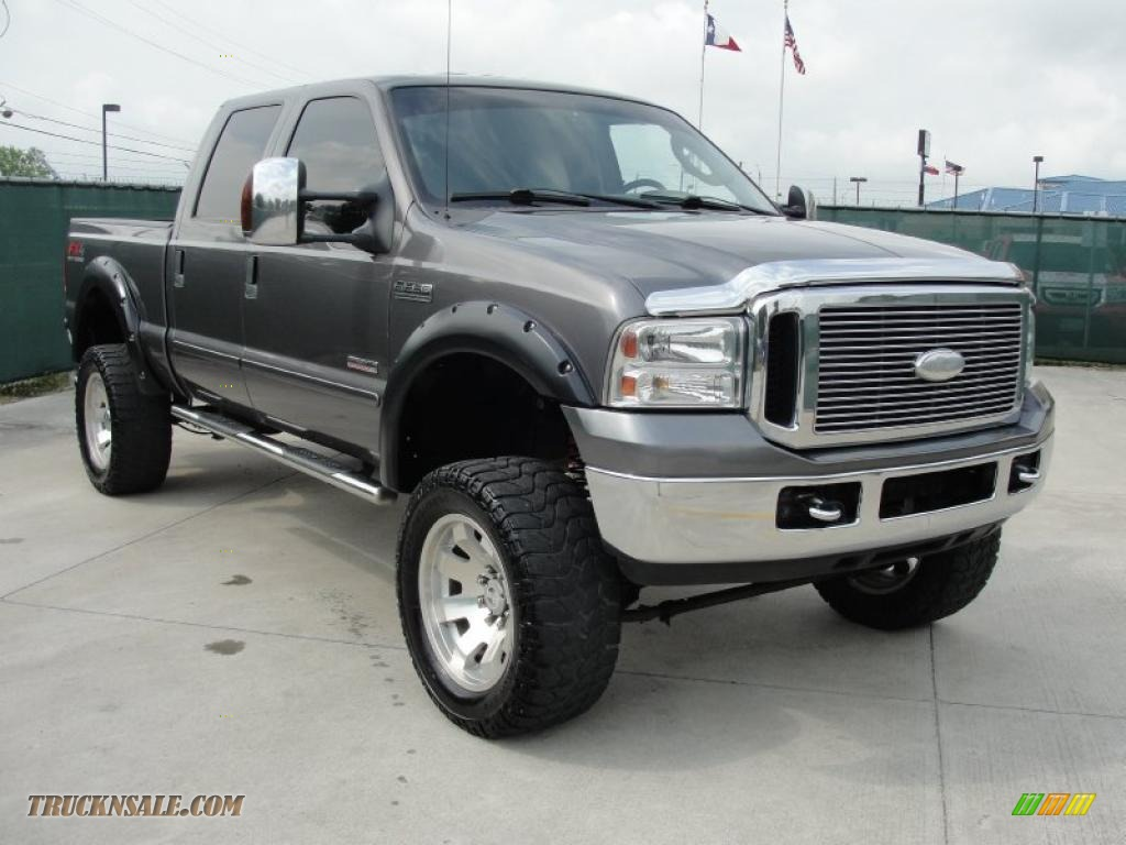 2007 Ford F250 Super Duty Lariat Crew Cab 4x4 in Dark Shadow Grey