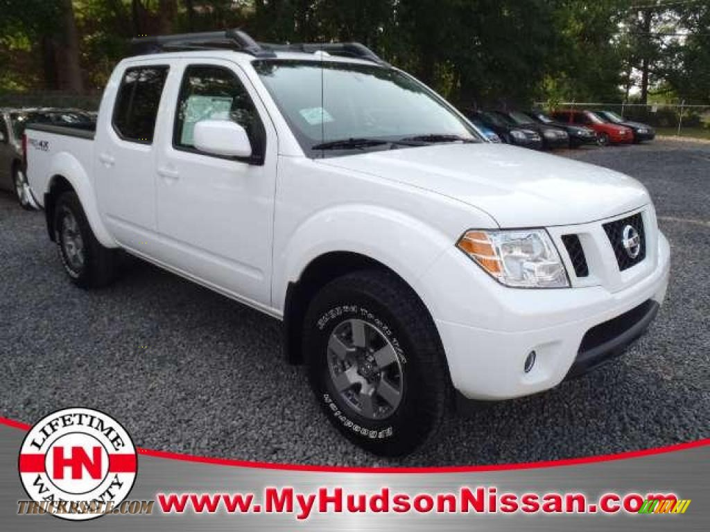 2011 nissan frontier pro 4x crew cab 4x4 in avalanche white 433787 truck n 39 sale. Black Bedroom Furniture Sets. Home Design Ideas
