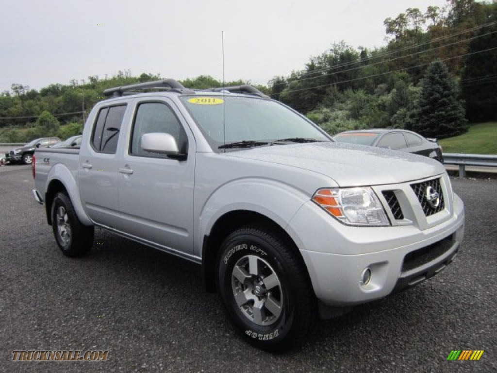 2011 nissan frontier pro 4x crew cab 4x4 in radiant silver metallic 418057 truck n 39 sale. Black Bedroom Furniture Sets. Home Design Ideas